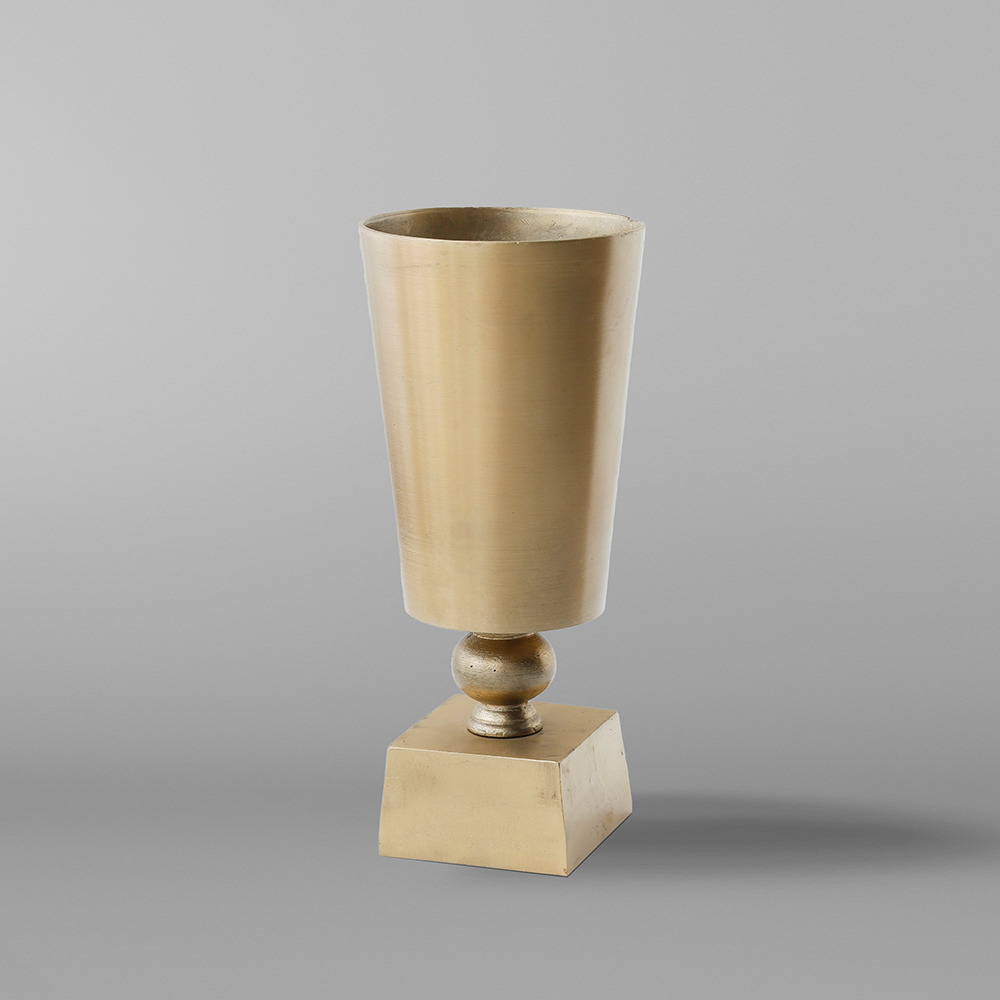 GOLDEN VASE ACCESSORY BY TOLICA